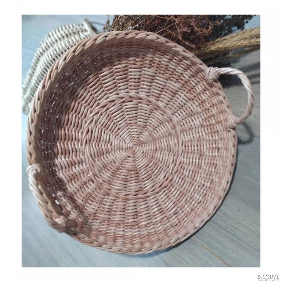 тут изображено Поднос плетеный