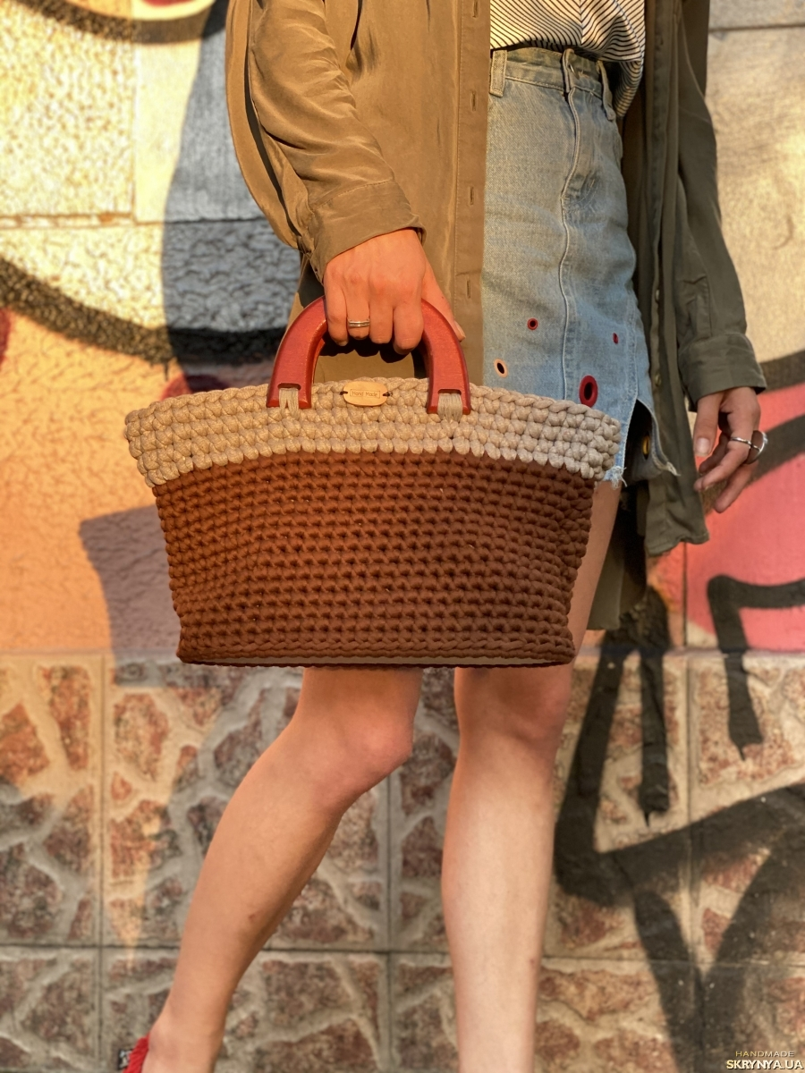 pictured here Knitted bag with wooden handles and bottom