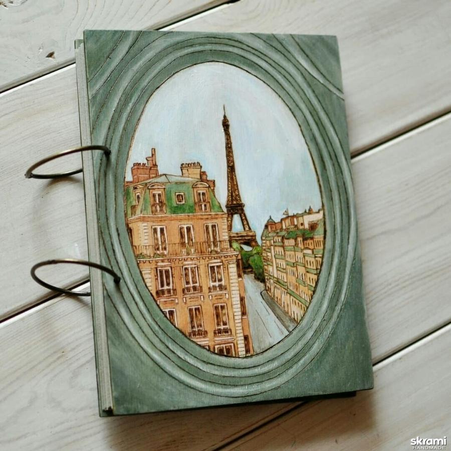 тут изображено Фотоальбом из дерева 18х24см ′Окно в Париже′
