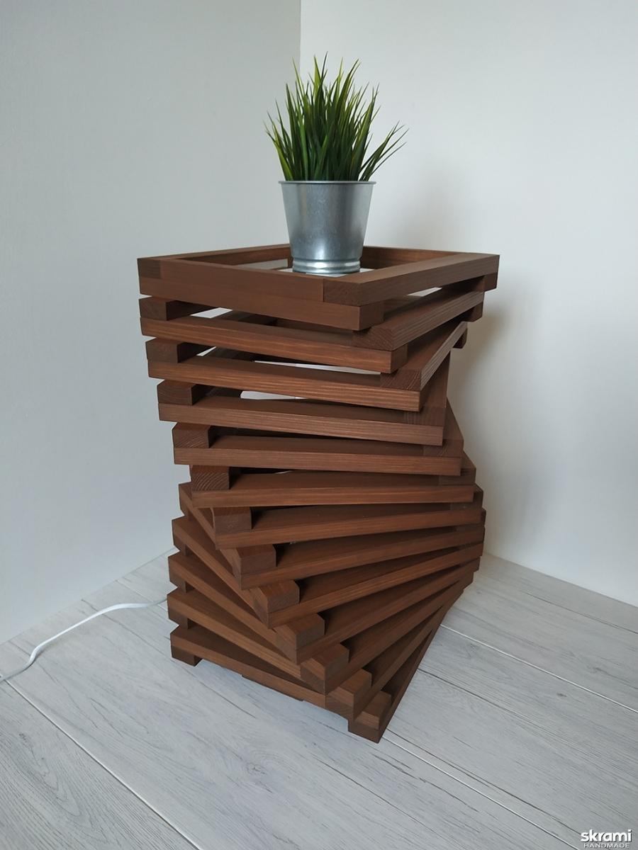 тут изображено Дизайнерская тумба – светильник из дерева Twist Classic
