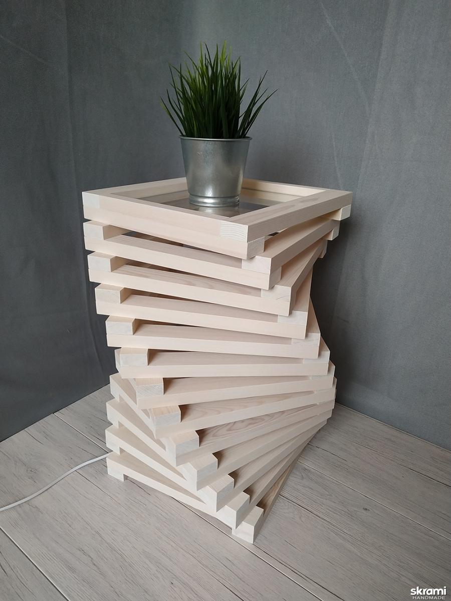 тут изображено Дизайнерская тумба – светильник из дерева Twist White