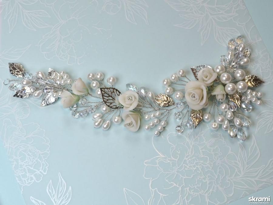 тут изображено Свадебная веточка Белые розы-2