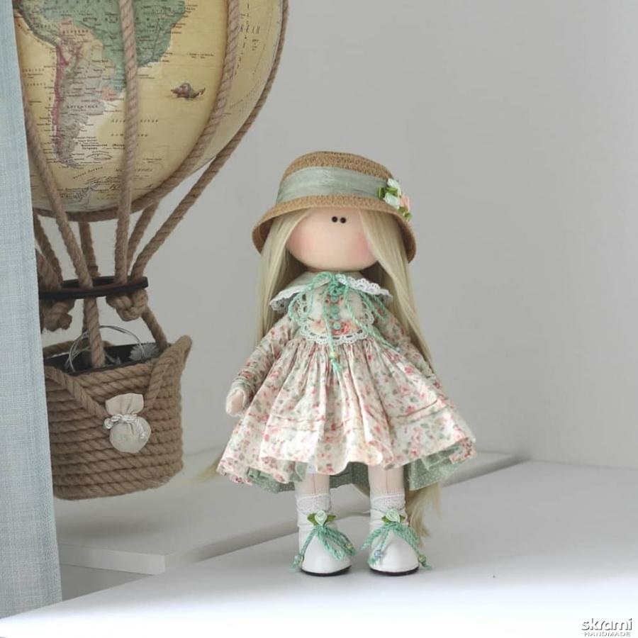 тут изображено Интерьерная текстильная кукла Софи