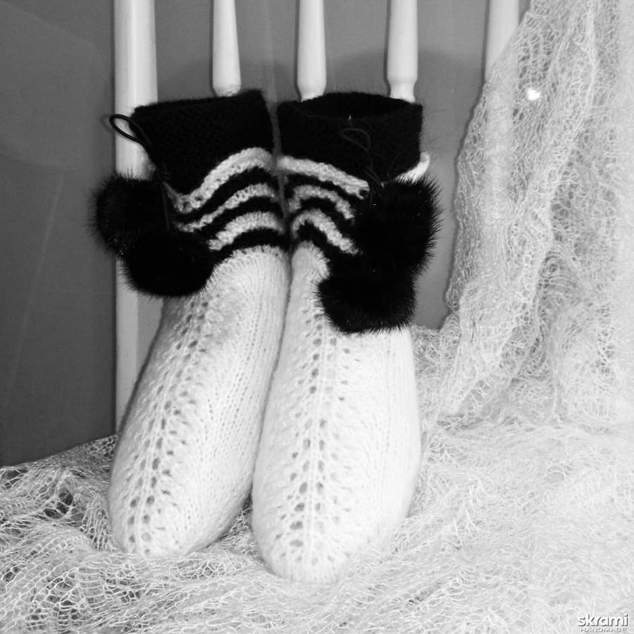 тут изображено Носки ′Снежинка′