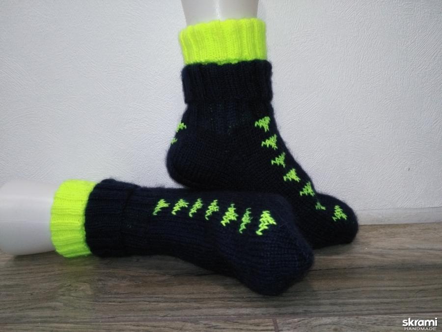 тут изображено теплые носки