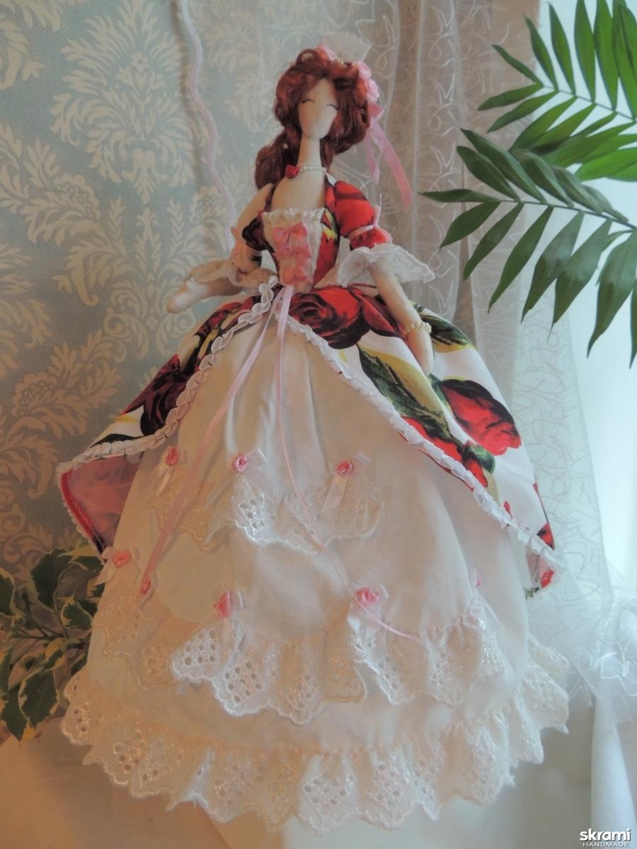 тут изображено Кукла тряпиенс Роза