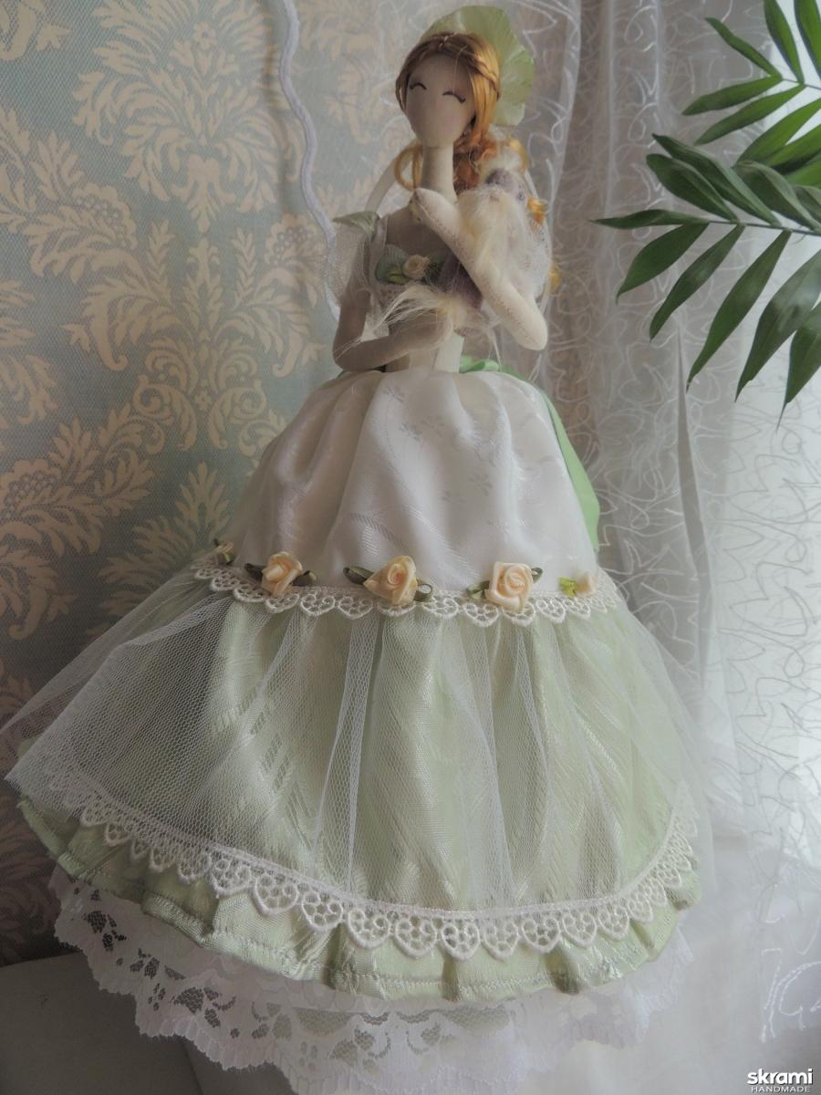 тут изображено Кукла тряпиенс Ника