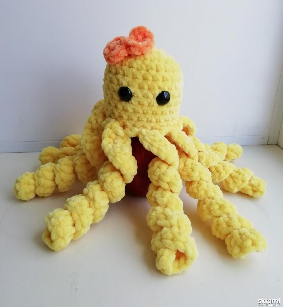тут изображено Вязаная осьминожка