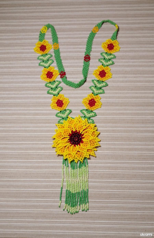 тут изображено 4. Колье ′Уичольский цветок′