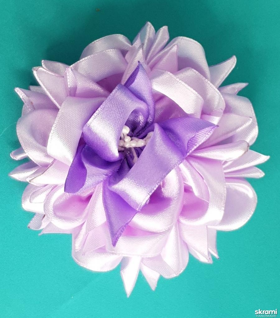 тут изображено Аксессуар для волос Цветок