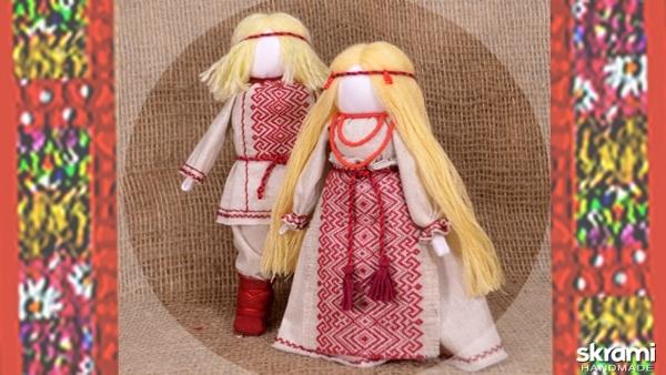 тут изображено Парочка. По мотивам народной куклы Мурашинская парочка.