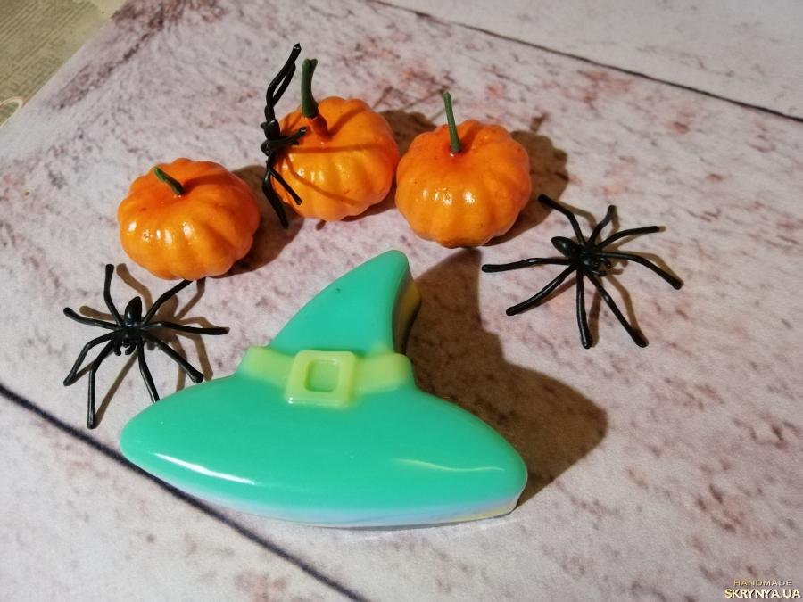 тут изображено Мыло для рук на Хэллоуин ′Шляпка ведьмочки′