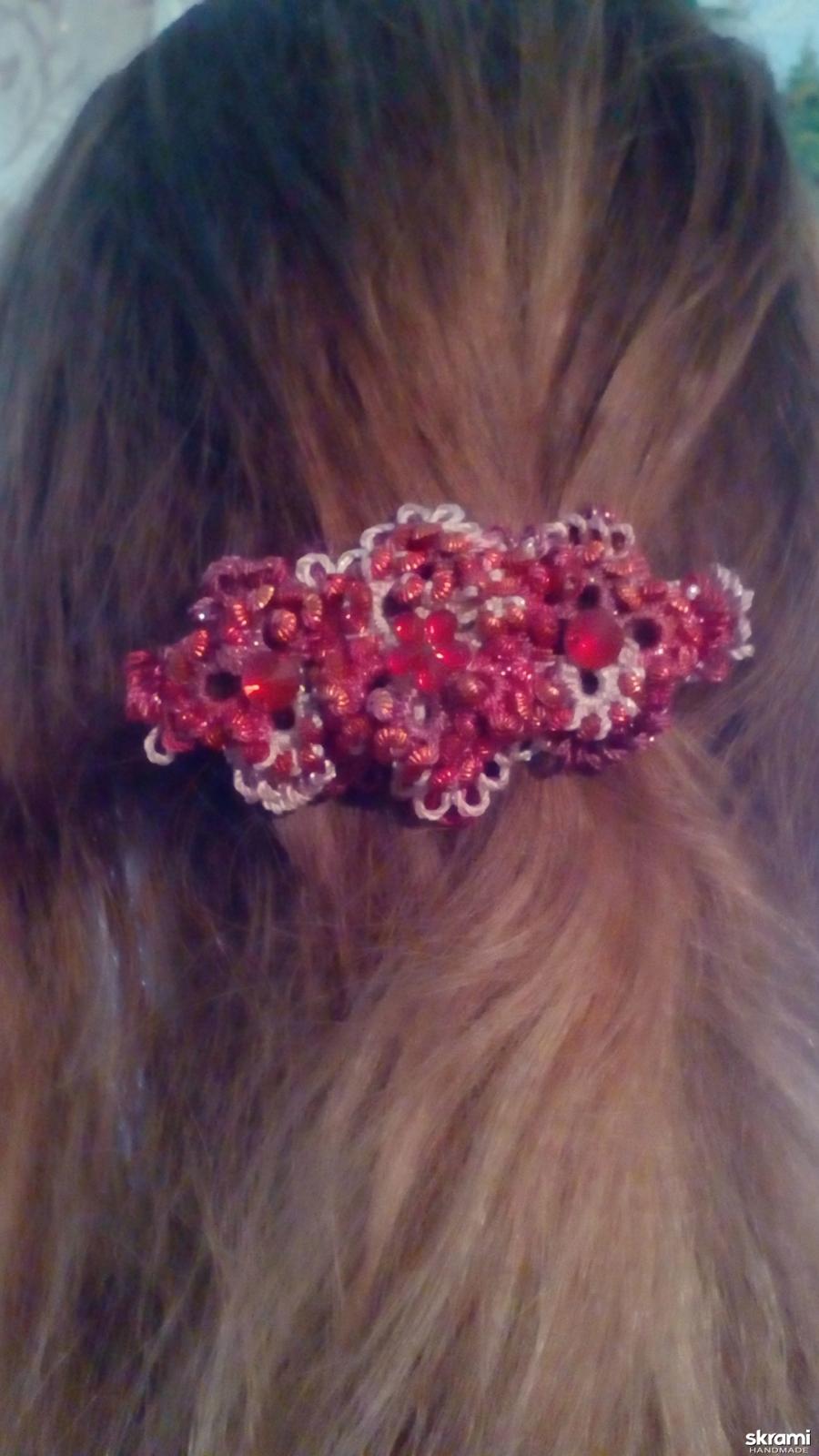 тут изображено Заколки для волос