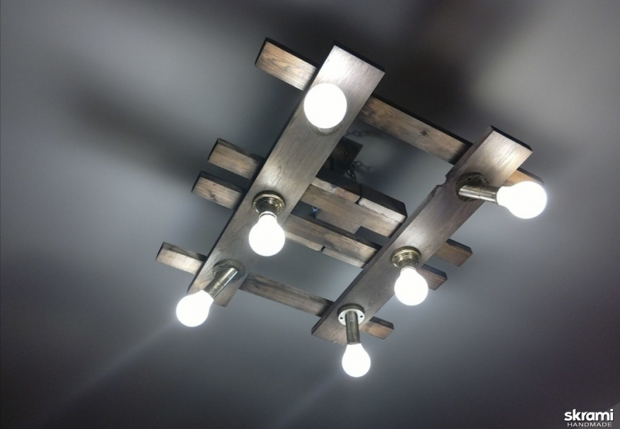 тут изображено Светильник потолочный из дерева