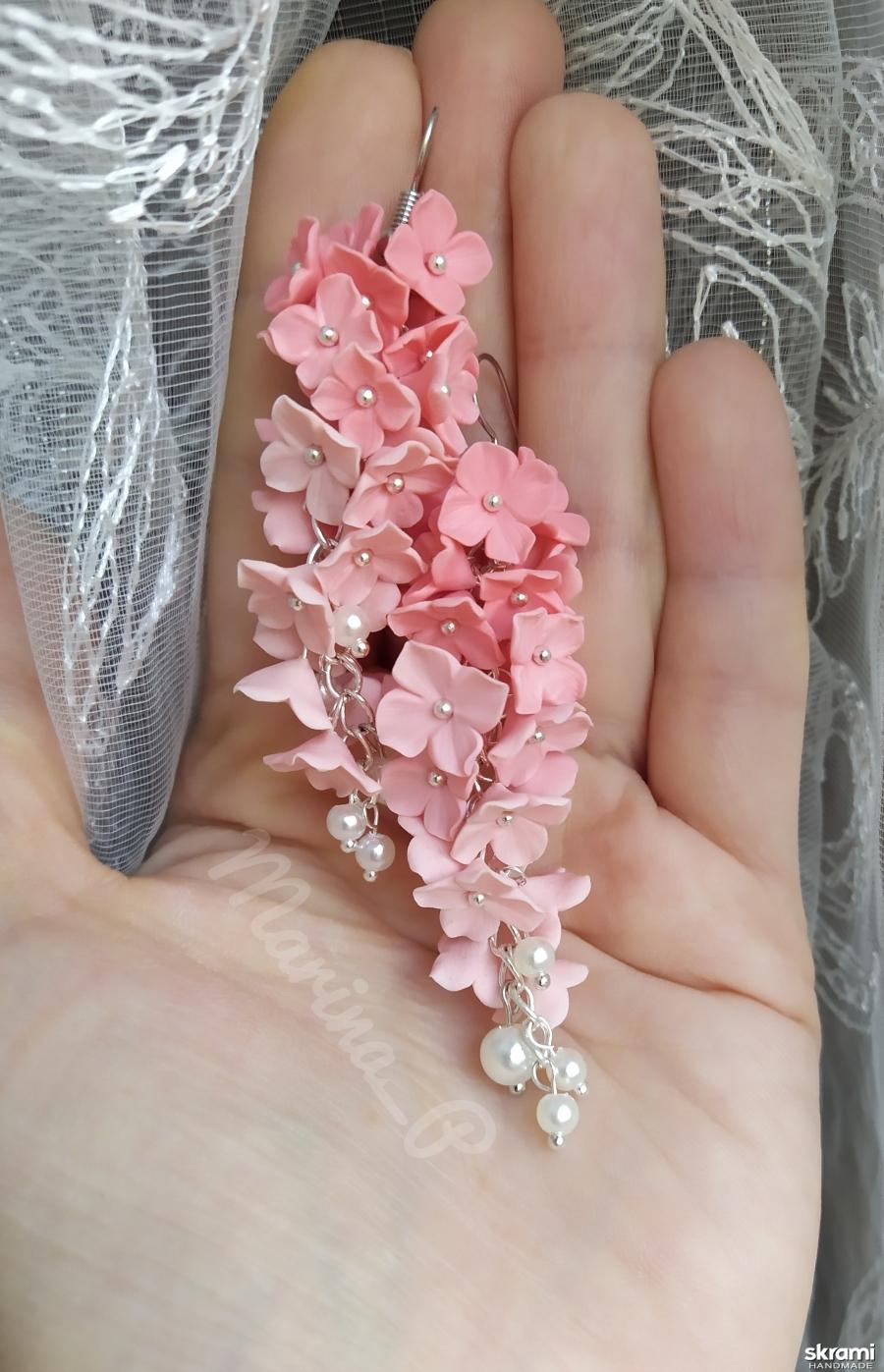 тут изображено Серьги с розовыми цветами 21