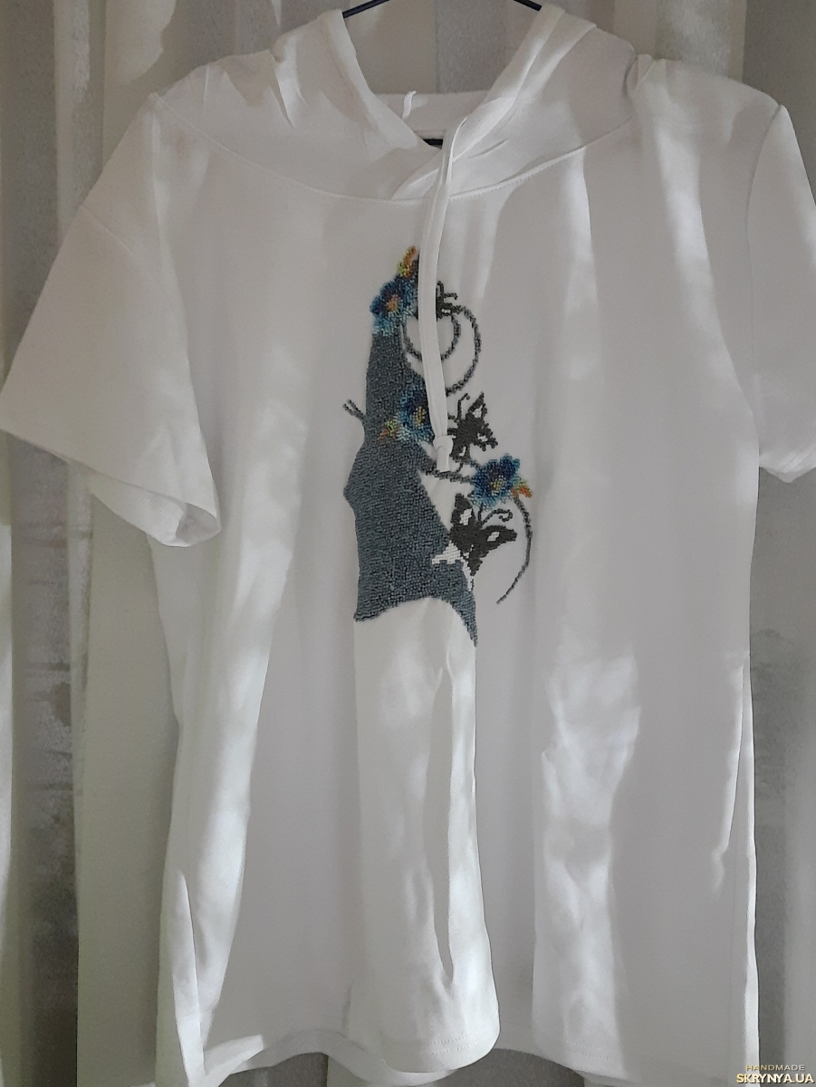 pictured here Embroidered T-shirt ′ Lady Mystery ′