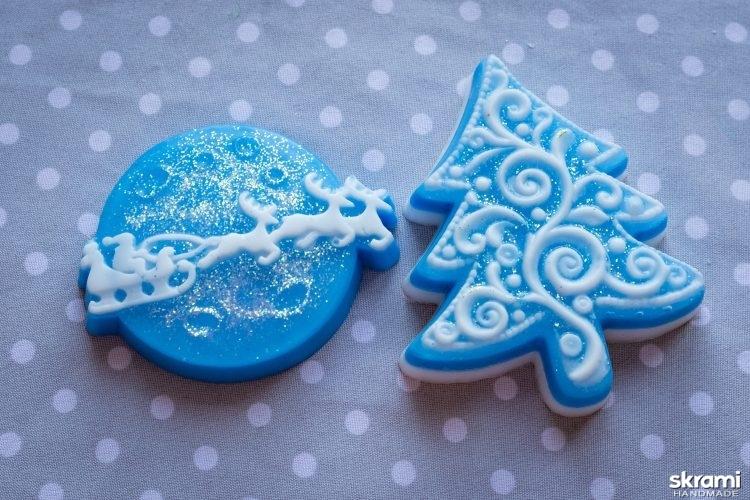 тут изображено Набор мыла ручной работы ′Дед мороз спешит на праздник′