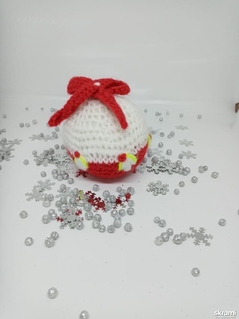 тут изображено Новогодняя игрушка на ёлку.
