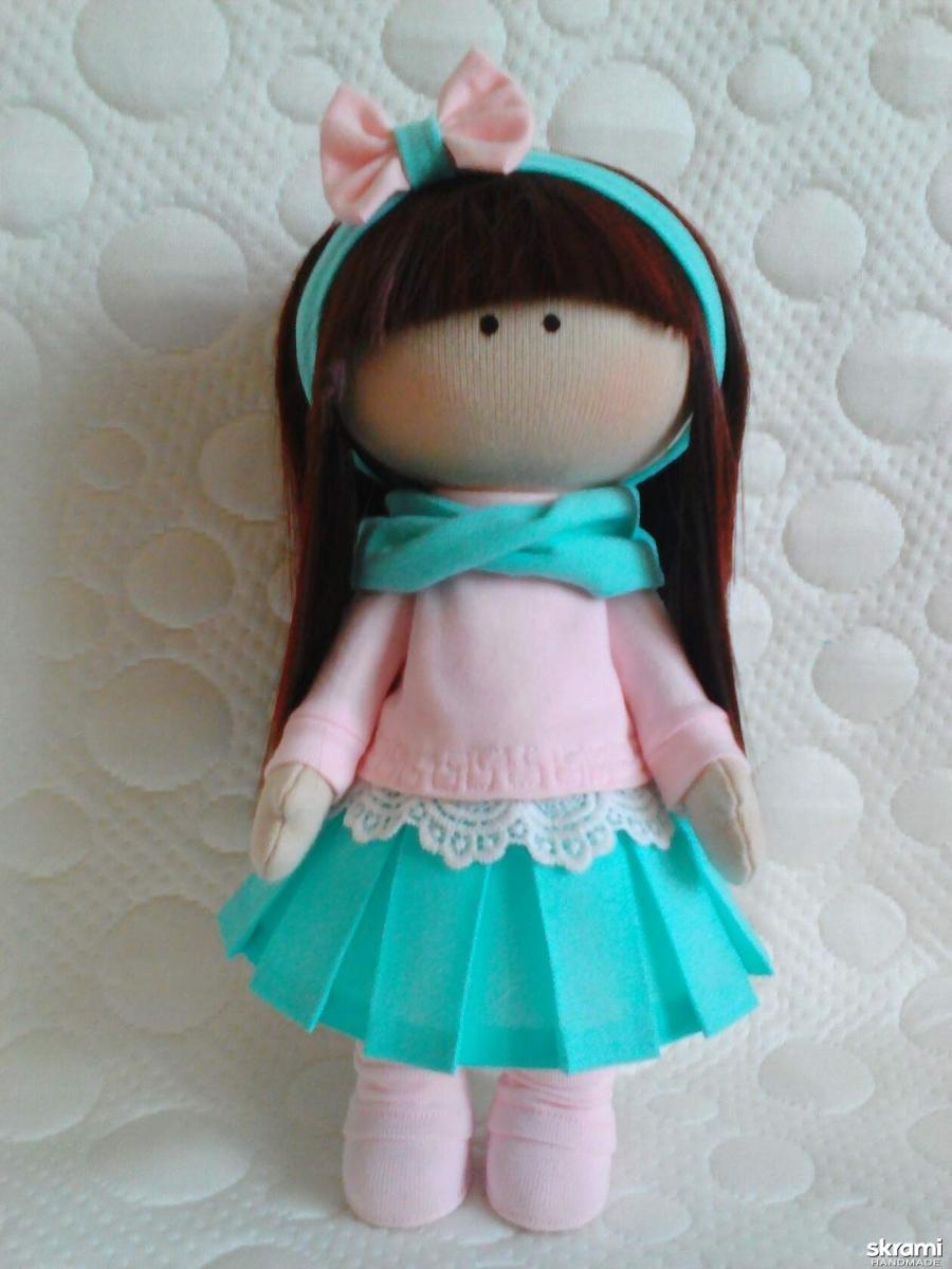 тут изображено Кукла Алёнка