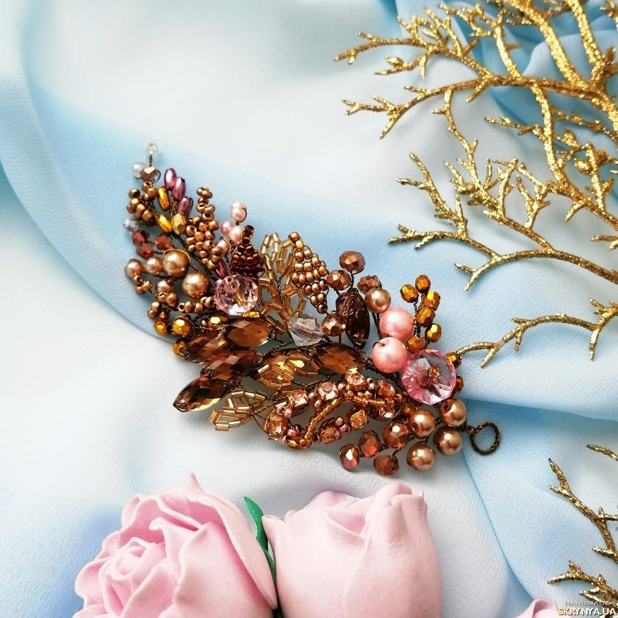 pictured here Золотая веточка для прически невесты
