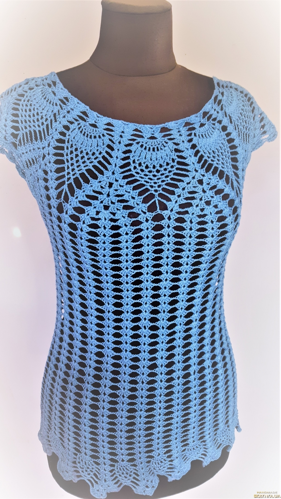 pictured here Ажурная вязанная женская туника голубого цвета размера 40-44
