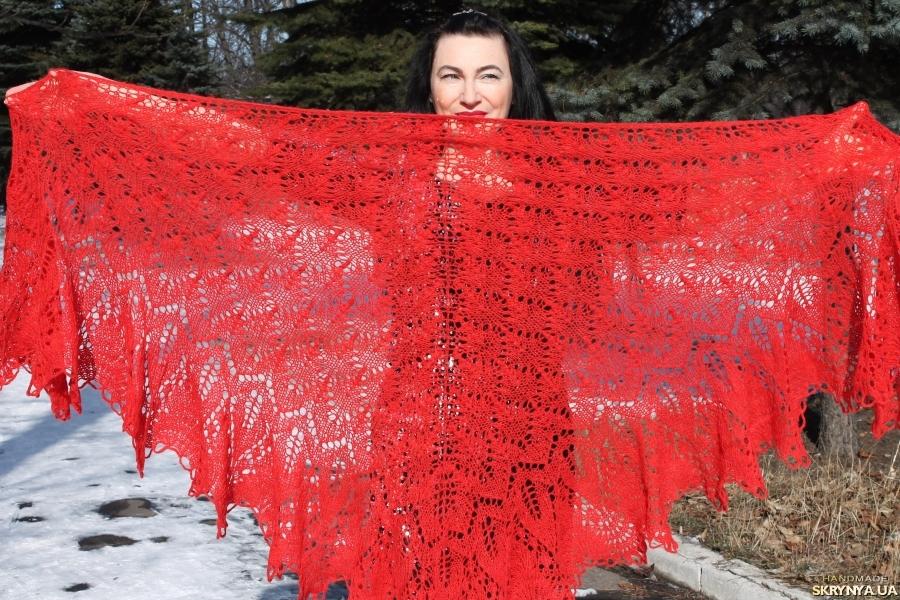 pictured here Шикарная шаль Марианна