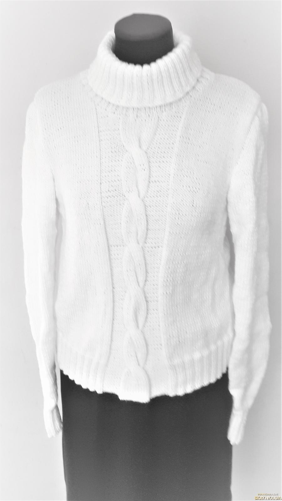 pictured here Теплый, женский, стильный свитер вязанный белого цвета, размер 44-46