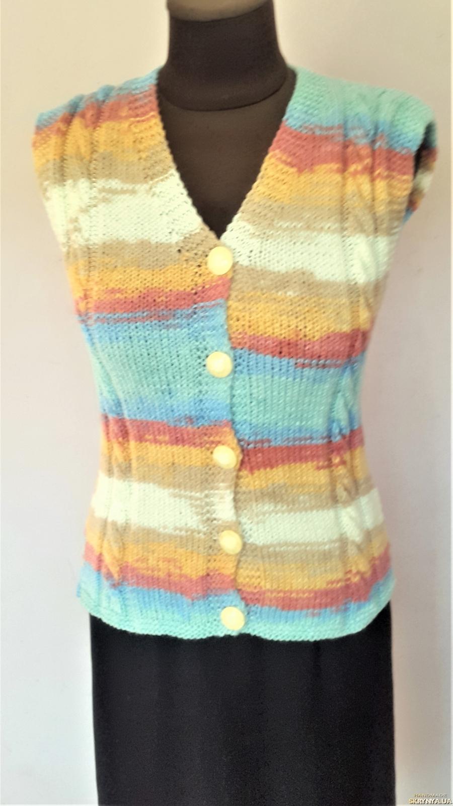 тут изображено Стильная теплая женская жилетка ручной работа, градиент, размер 40-42.