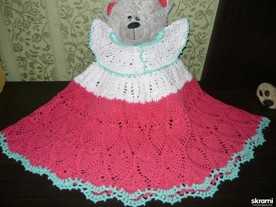 тут изображено Вязанное платье