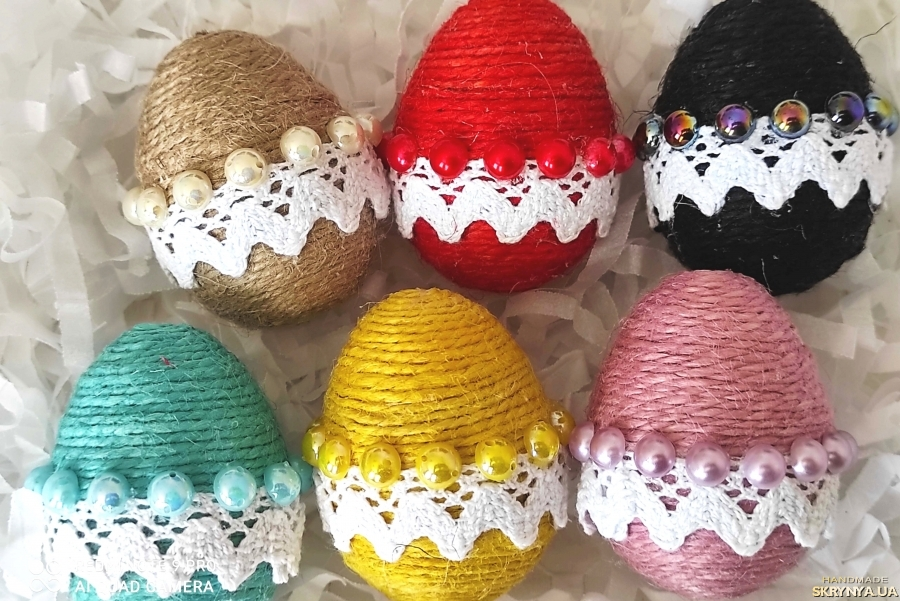 pictured here Set of 6 Easter decorative eggs