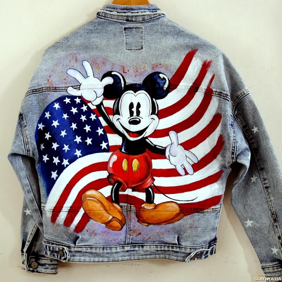 тут изображено Куртка джинсовая Микки Маус Ручная роспись Вашей куртки по Вашему рисунку