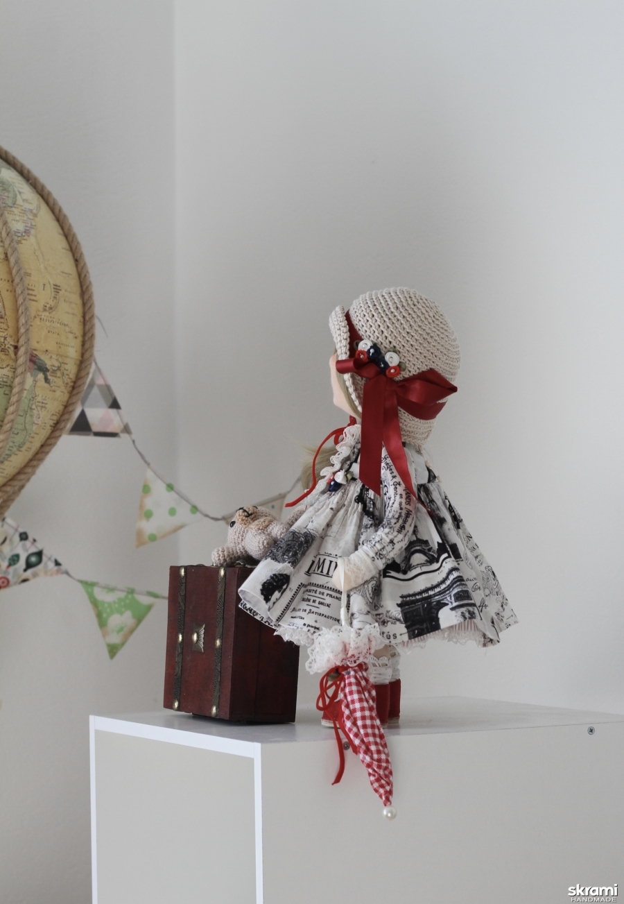 Интерьерная текстильная кукла Путешественница