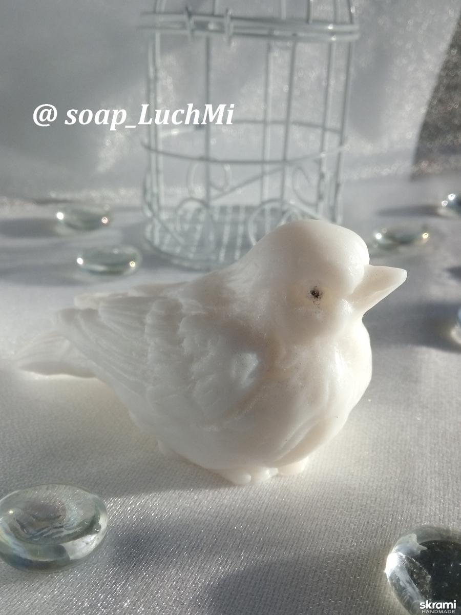 тут изображено Мыло ручной работы ′Птичка′