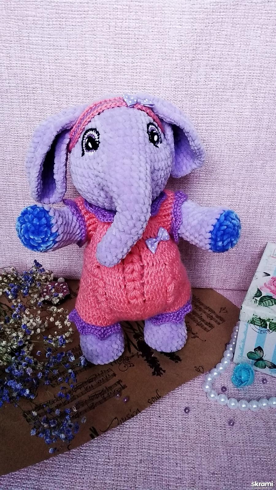 тут изображено Плюшевая слоняшка Няшка