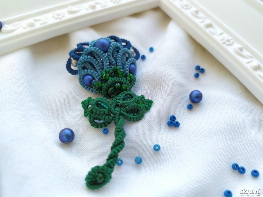 тут изображено Брошь цветок ′Годеция′