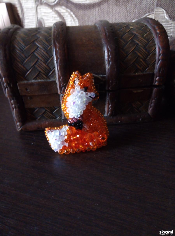тут изображено брошь ′лисичка′