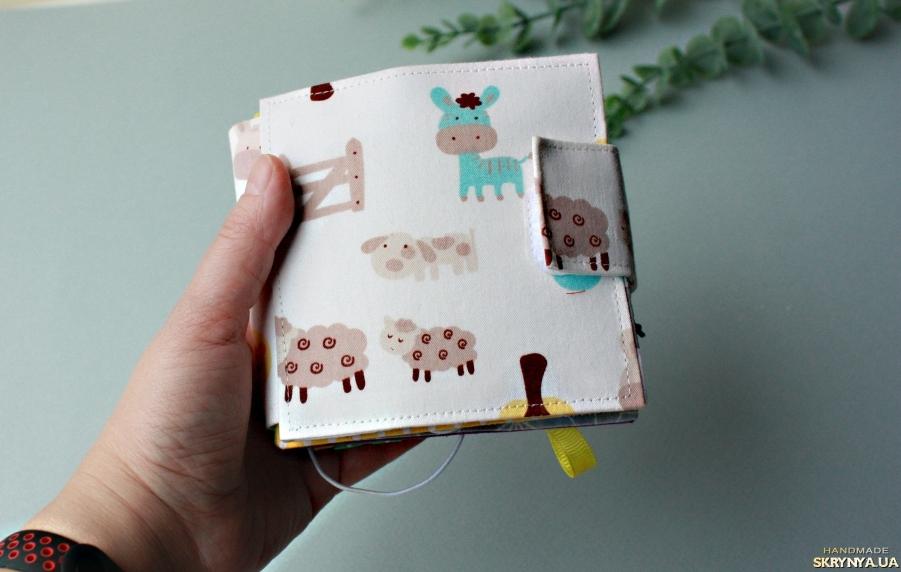 pictured here Розвиваюча міні-книжка Свійські тварини