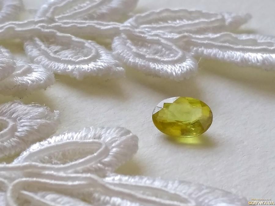 pictured here Sphene (titanite) - jewelry insert