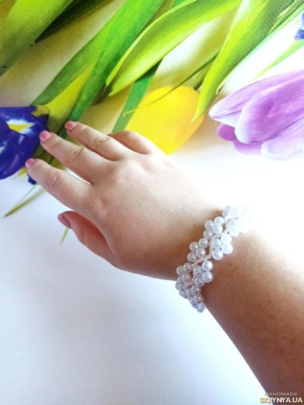тут изображено Белый браслет из чешского бисера Купить красивый браслет Белое украшение