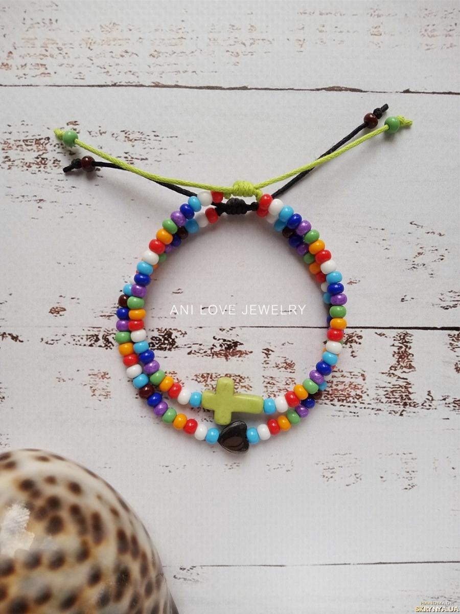 тут изображено разноцветный браслет из бисера Сердце крест крестик браслет с сердцем набор