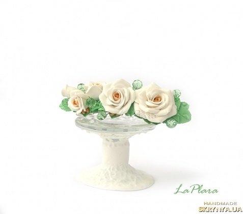 тут изображено «Белоснежные розы»