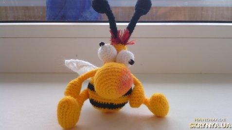 тут изображено «пчелка Зорик»
