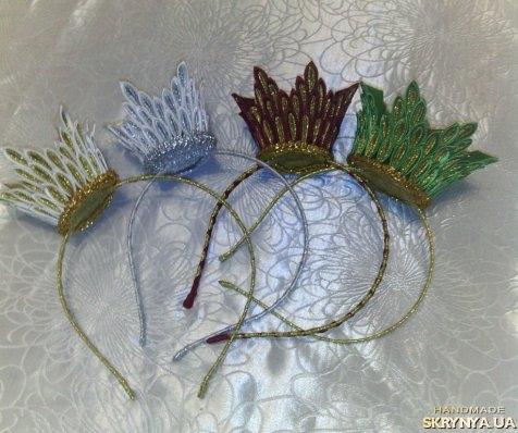 тут изображено Новогодняя корона