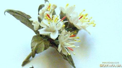 тут изображено Флердоранж для куклы шелковые цветы