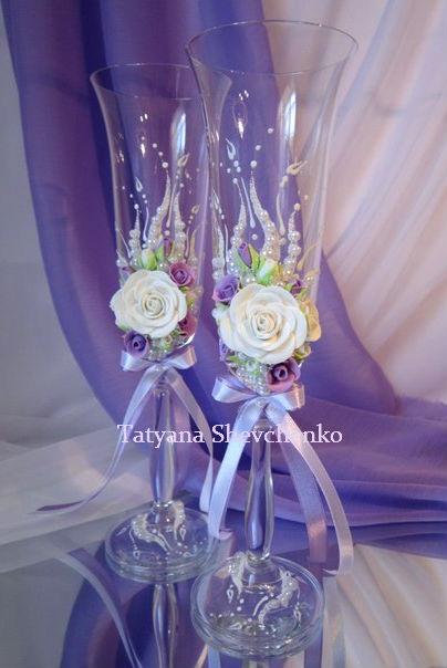 тут изображено Свадебные бокалы