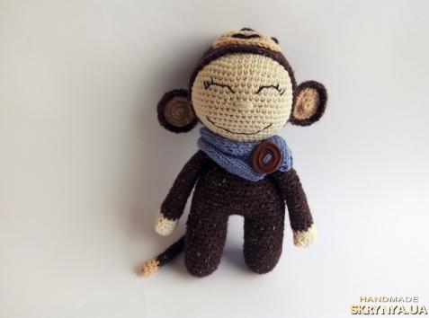 тут изображено Пупс Веселая обезьянка
