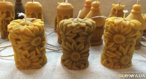 тут изображено Натуральная восковая свеча Ромашки