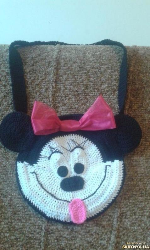 тут изображено Детская вязаная сумочка Минни Маус