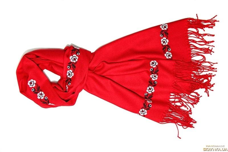 тут изображено Палантин червоний з вишивкою «Троянди»