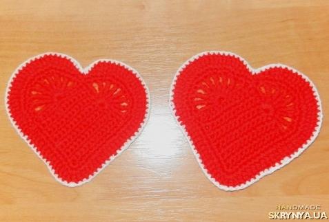 тут изображено подставка под чашку ′Сердце!